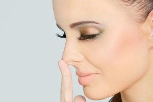 как удалить волосы в носу