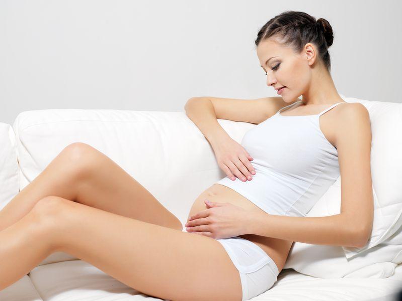 Можно делать депиляцию воском беременной