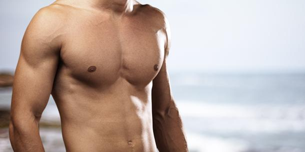 гладкая мужская грудь